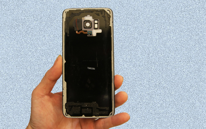 Mặt nắp trong Galaxy S8