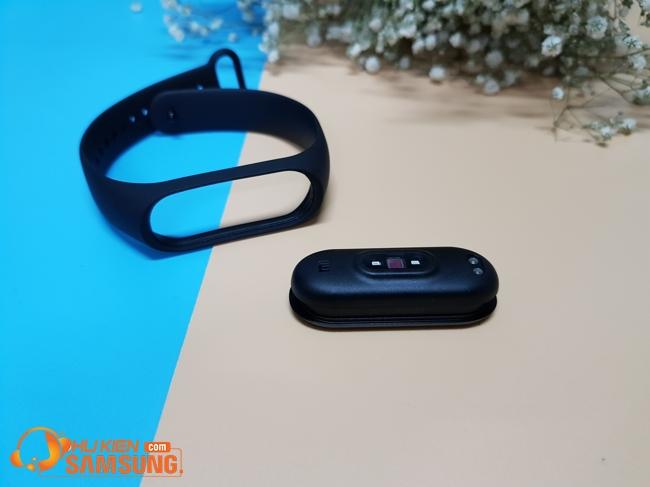 vòng đeo tay thông minh Mi Band 4 chính hãng giá rẻvòng đeo tay thông minh Mi Band 4 chính hãng giá rẻ