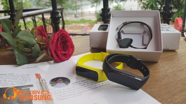 vòng đeo tay thông minh Samsung Galaxy Fit e chính hãng giá rẻ