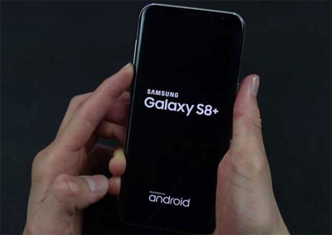 Nguyên nhân - cách khắc phục lỗi màn hình Samsung S8, S8 Plus bị đơ liệt cảm ứng hay ám màn